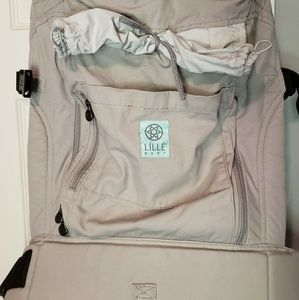 Lillebaby carrier